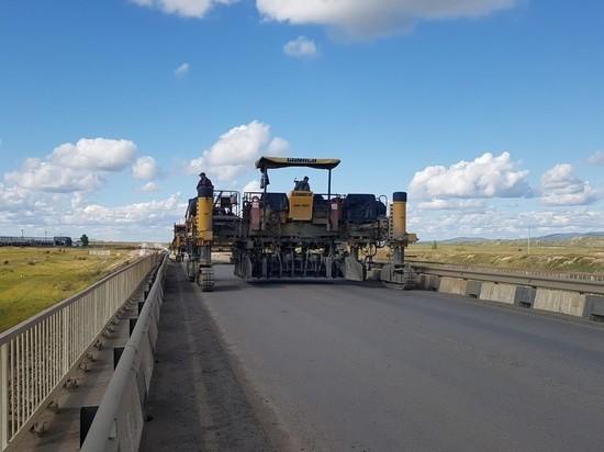 Съезд с трассы к Харанору закроют на 2 часа для укладки нового покрытия
