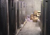Из подпольных цехов в Анапе изъяли 140 тысяч литров контрафактного алкоголя
