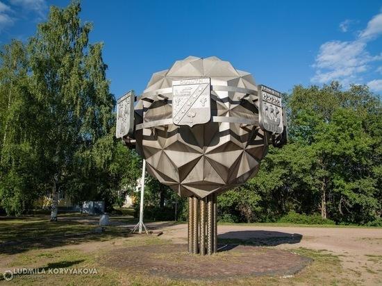 Петрозаводск просит у республики 20 миллионов на демонтаж Дерева дружбы
