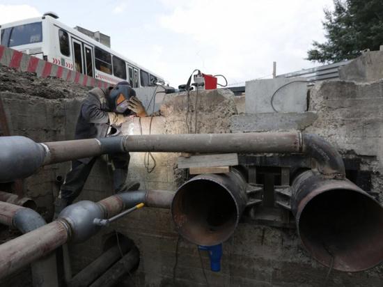 В Железнодорожном районе Барнаула отключат горячую воду для ремонтов теплосетей