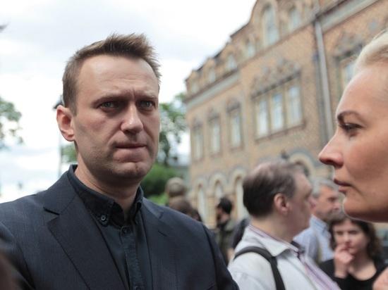 По всей России сторонников Навального увозят на допросы
