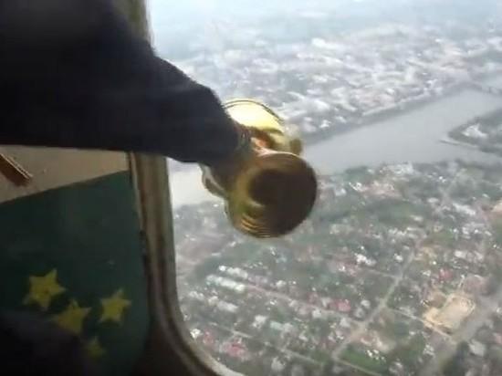 Тверь с самолёта окропили святой водой ради борьбы с пьянством