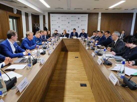 Андрей Травников и Герман Греф обсудили вопросы цифровизации региона