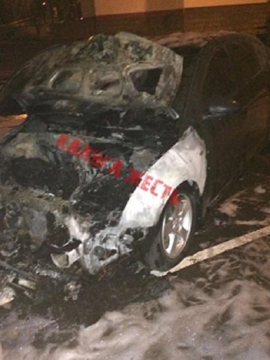 Chevrolet Cruze ночью сгорел в Калуге