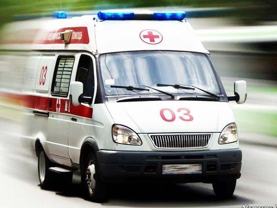 На сотрудницу полиции в Петербурге упал кусок штукатурки