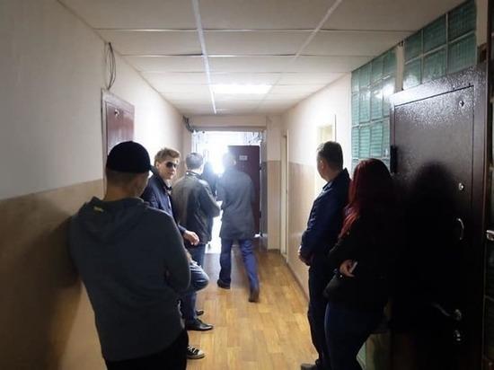 В Кургане проходят обыски у активистов штаба Навального