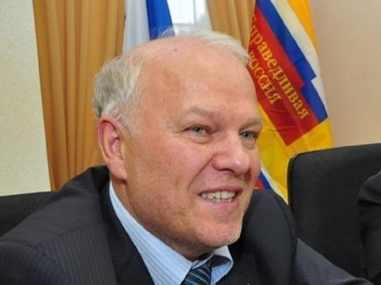 Анатолий Грешневиков не торопится уступать место в Госдуме Тине Канделаки