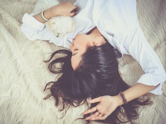 Названы условия, при которых дневной сон полезен