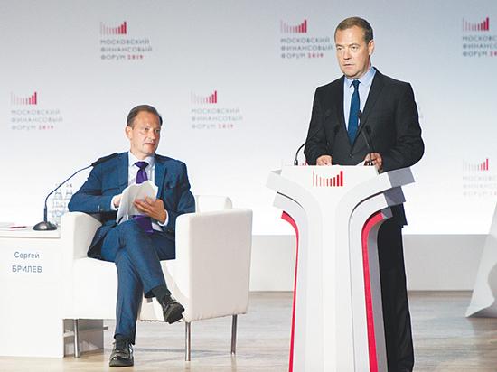 Экономика в ловушке: Орешкин готов рискнуть пенсией