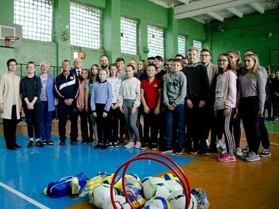 Бизнесмен из Иванова приобрел спортивный инвентарь для одной из школ Шуи