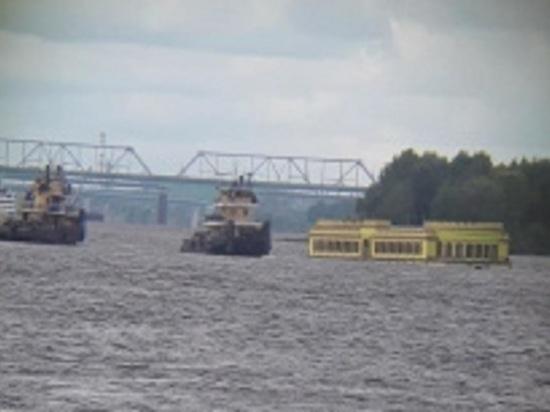 Владелец затонувшего плавучего ресторана намерен засудить  ярославский Речной порт
