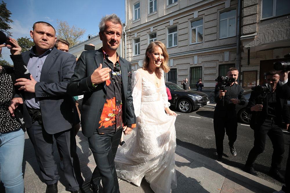 Свадьба Ксении Собчак и Константина Богомолова: фото из Грибоедовского ЗАГСа
