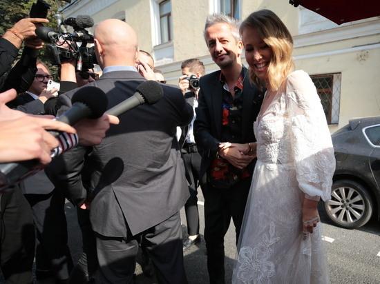 Приглашенный на свадьбу Собчак астролог заявил о браке по расчету