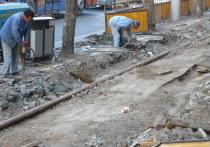 В Надыме у детского сада рабочие «разбомбили» дорогу