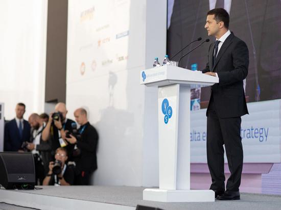 Зеленский без суфлера рассказал о санкциях против России
