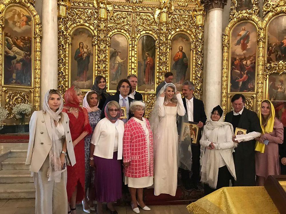 Кадры венчания Собчак и Богомолова: в храме были только близкие