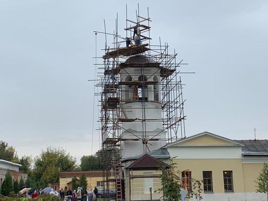 Храм святителя Николая увенчан крестом