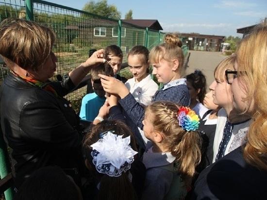 Школьники из поселка Ярославка побывали в Ярославском зоопарке
