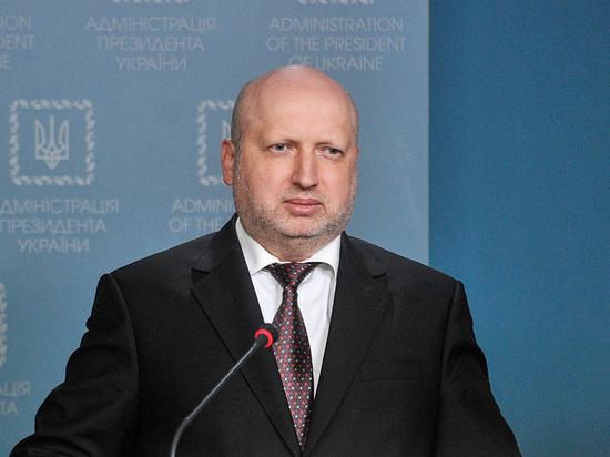 Турчинов объяснил, почему Украина не может начать войну с Россией