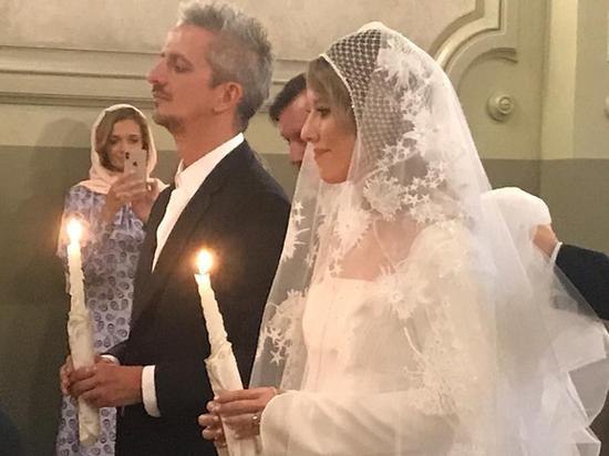 Собчак и Богомолов поженились и обвенчались: катафалк сменили на карету