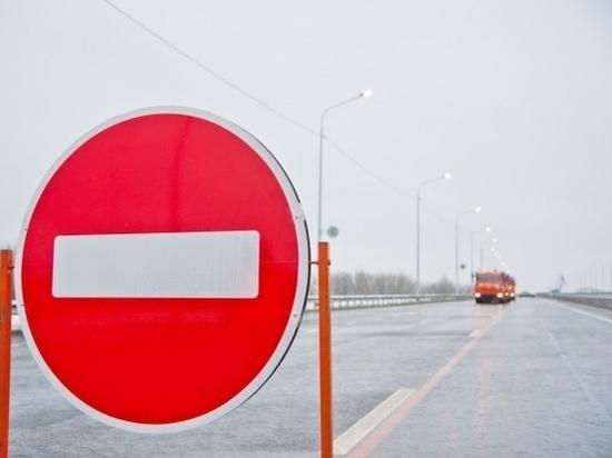 Пенсионер врезался в дорожный знак и погиб в Волгоградской области