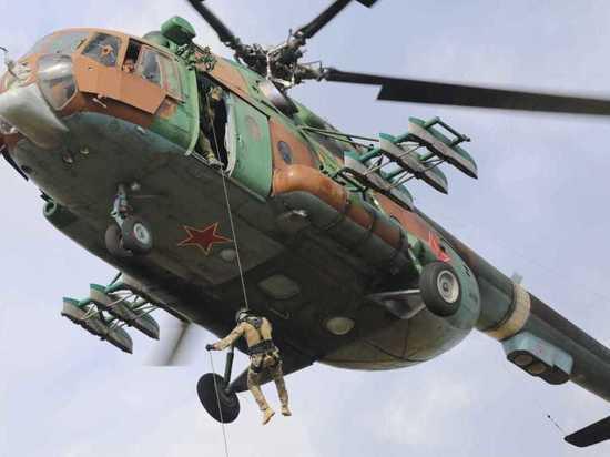 Спецназ ЦФО осуществил беспарашютное десантирование под Калугой