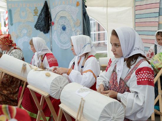 На все руки: в Тульский кремль съехались 130 мастеров