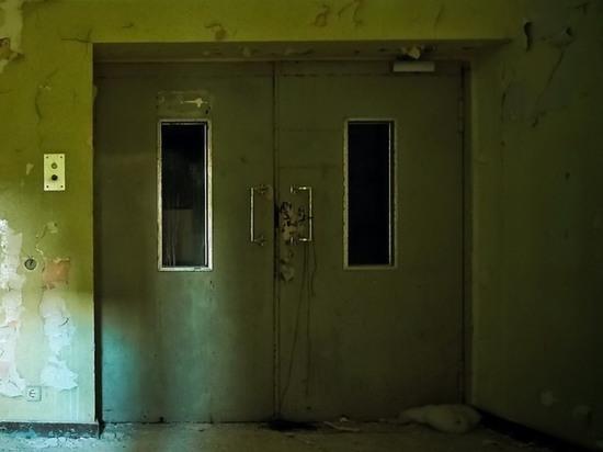 Ветерана из Обнинска зажало в лифте