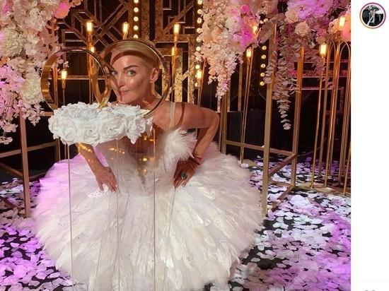 """Волочкова сделала заявление о свадьбе Собчак: """"Отмываюсь"""""""