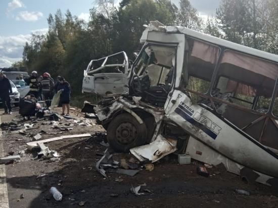 """""""Водитель - хороший человек, но уснул"""": Подробности страшной аварии  под Ярославлем"""