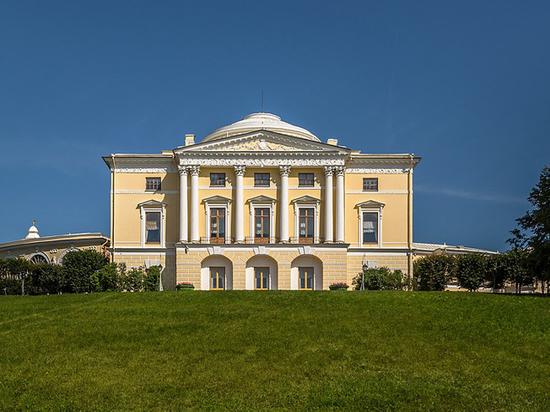 Паранормальные явления зафиксировали в Павловском дворце