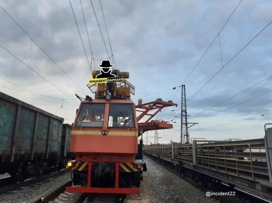 Поворот не туда: подробности аварии поезда на Алтае