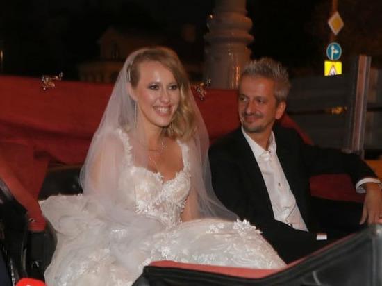 Родители Богомолова покинули свадьбу после непристойных танцев Собчак
