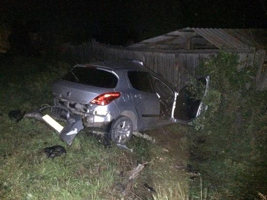 В Хакасии водитель въехал в электроопору и погиб на месте