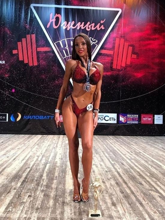 На чемпионате по бодибилдингу в Хакасии лучшей стала спортсменка из Железногорска