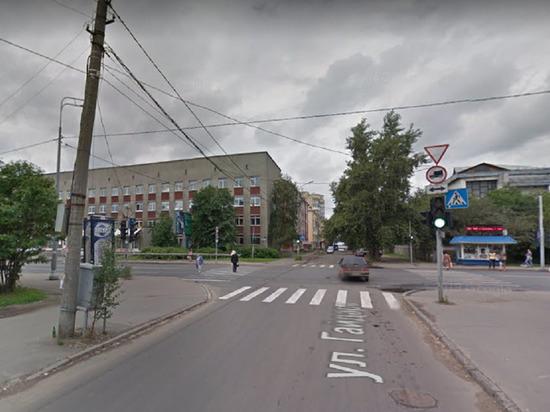В Архангельске на переходе сбили старушку