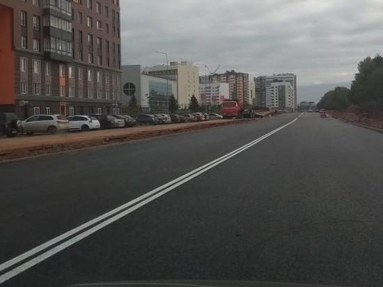 В Кирове заасфальтировали 3 из 4 новых дорог