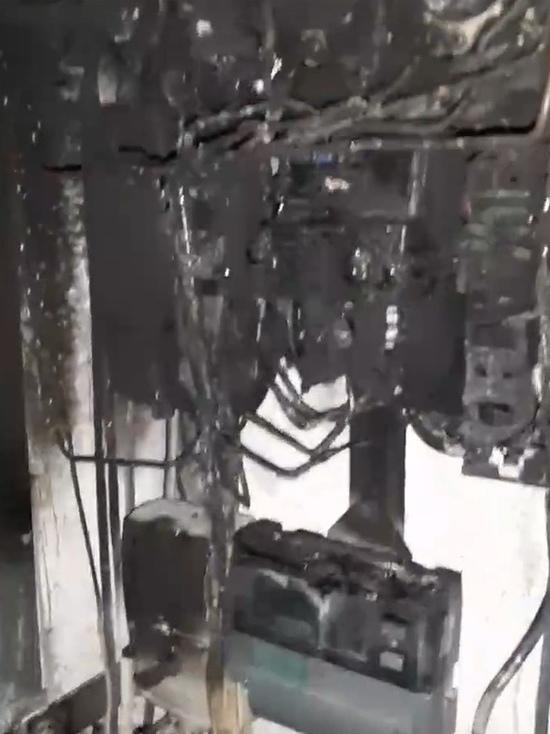 Подрядчик подвел: в Надыме после ремонта в жилом доме произошел потоп и пожар