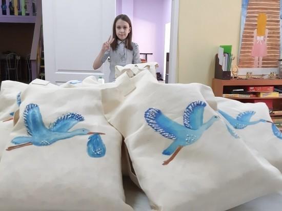 Дети из неблагополучных семей сошьют детскую одежду для одиноких мам