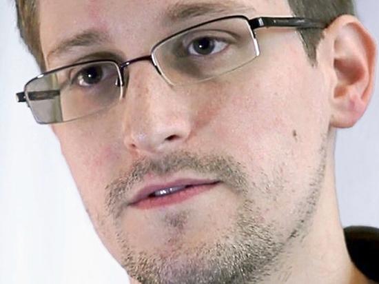 Сноуден назвал WhatsApp и Telegram опасными для чиновников