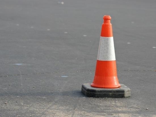 Участки улиц Касьянова и Фрунзе закрыли для транспорта