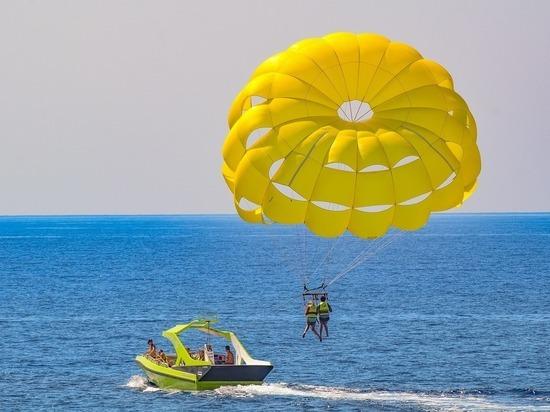 Трагедия в Турции: юноша погиб, прокатившись на парашюте