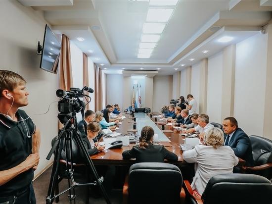 Глава администрации Чебоксар Алексей Ладыков провел прямую линию