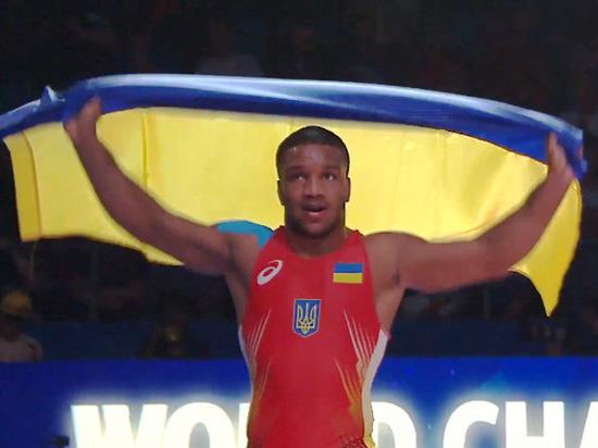 Темнокожий депутат Верховной Рады стал чемпионом мира по борьбе