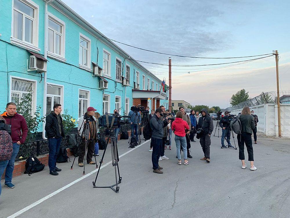 Кокорин и Мамаев вышли из тюрьмы на свободу: кадры с места
