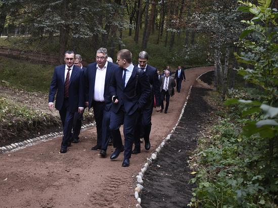 Заместитель председателя Совета Федерации РФ прогулялся по парку Кисловодска