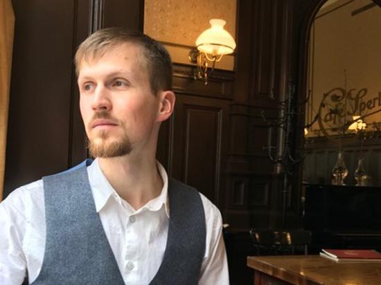 Молодой автор Дмитрий Лайус рассказал, почему поэтическое древнее политического