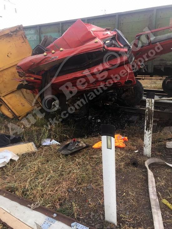 Под Белгородом «КамАЗ» врезался в грузовой поезд