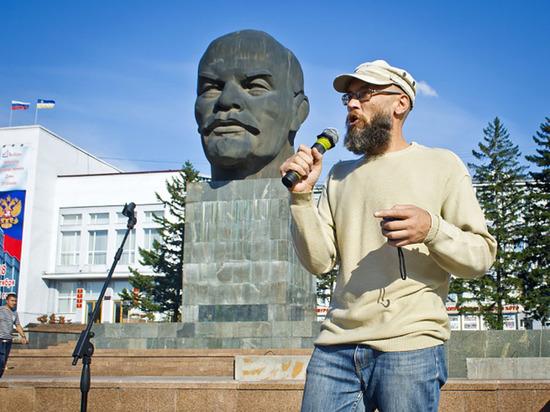 В Улан-Удэ задержан известный общественник Алексей Карнаухов, участвовавший в митинге