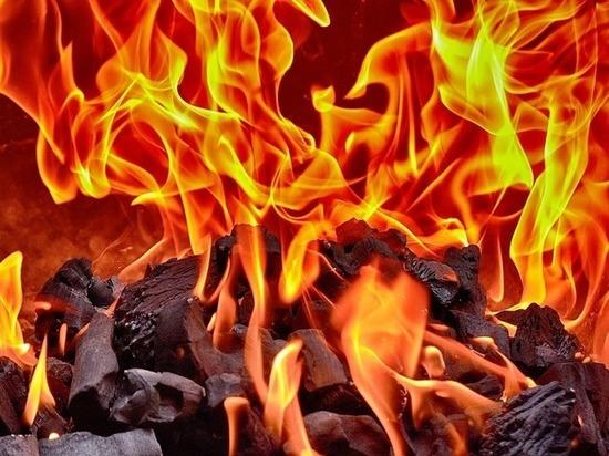 В Бурятии один горевший гараж чуть не спалил второй